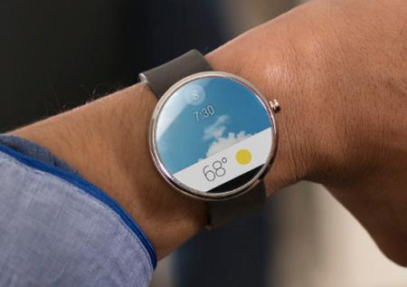 «Умные» Android-часы Motorola получат сапфировое стекло и зарядку без проводов