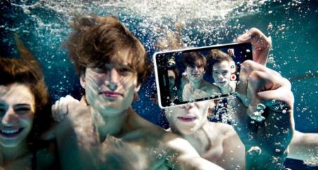 Тише воды: Sony готовит недорогие «смартфоны-непромокашки»