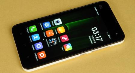 Майские пряники: Motorola и Xiaomi готовят новые смартфоны